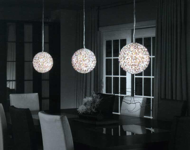 lampadario a sfera : Sospensione, struttura: metallo cromato, sfera: cristallo Swarovsky ...