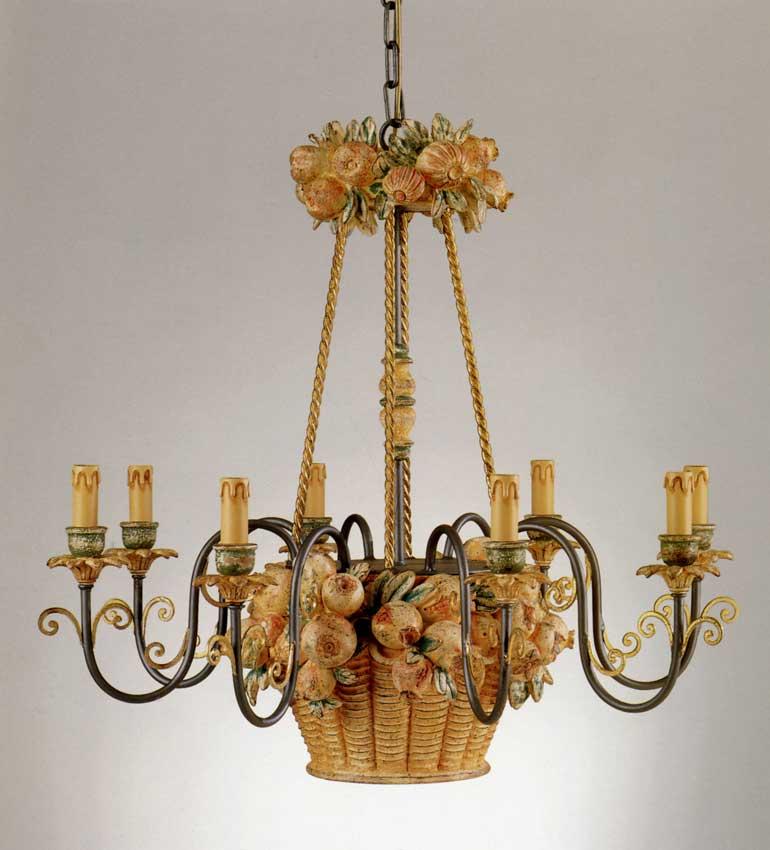 Lampadario 8 luci, struttura: legno massello scolpito a mano