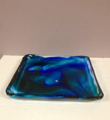 Oggetto 031, piatto grande blu/verde, 1 pezzo disponibile, sconto 50%, prezzo scontato 67,00 Euro