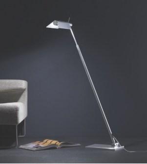 Lampade da terra moderne for Lampade da scrivania moderne