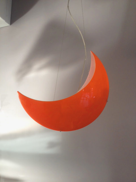 Outlet illuminazione lampada a sospensione luna arancio for Oggettistica moderna