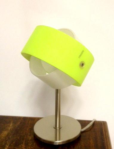Outlet illuminazione lampada da comodino moderna for Lampada comodino moderna